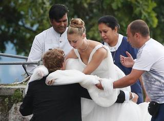摩纳哥王子私人岛上豪华婚礼,完爆各路大牌秀场!