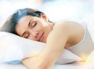 你瘦了 | 女人这样睡 越睡越苗条(睡觉瘦身法)