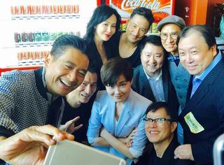 别人还在对撕炒八卦 李宇春已经和她的偶像们拍《澳门风云3》去了