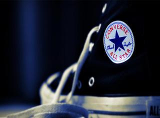 穿这么久的匡威帆布鞋,鞋底竟然隐藏了让人傻眼的秘密!