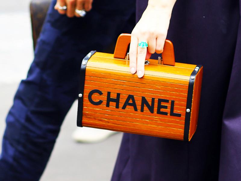 精致女人   一生必备的 5 款包包
