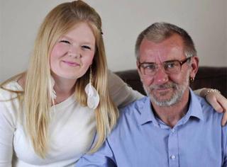58岁英国爷爷迎娶22岁少女,爱情来了真是啥也挡不住