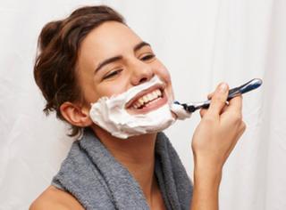 涨姿势 | 原来女生也要刮胡子!