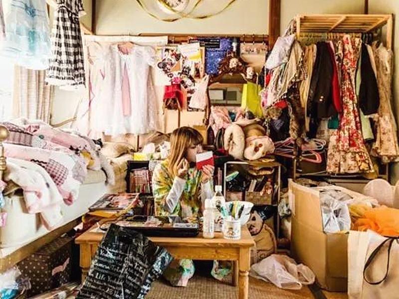 """实拍日本""""宅女""""房间:这还是人住的吗"""