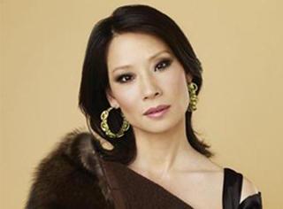 46岁的刘玉玲当了妈,孩子跟她姓,这女人的人生就是一个大写的彪悍。