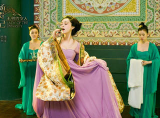 杨贵妃里赤果果的衣服竟是她的杰作