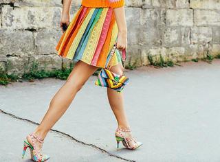 街拍 | 求助,彩虹色到底该怎么穿?