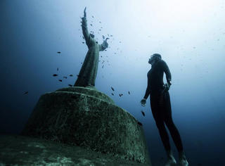 细数世界上那些令人惊讶的自由潜水地!附带危险等级!
