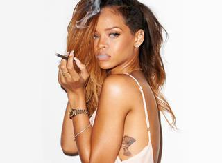 Rihanna,想要撕赢她就得比她更时髦