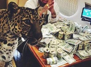 他们的宠物是狮子和老虎,越狱大毒枭古斯曼儿女高调炫富!