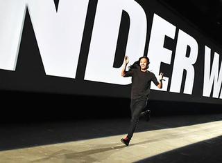 纽约时装周 | Alexander Wang十周年,秀后趴体比秀还欢腾!