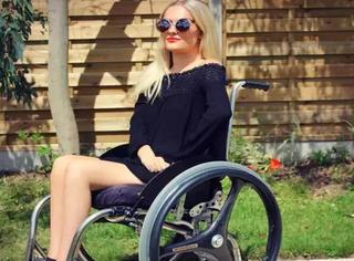 她四肢瘫痪,她美出了新境界,她是世界知名的美妆大师!