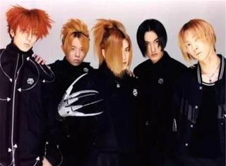 据说这是idol们最想毁掉的黑历史......