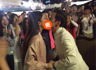 """何炅赵丽颖""""激吻""""?画面太美我还是看了......"""