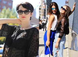 纽约时装周独家街拍 | 时装周落下帷幕,场外达人上演壁咚戏码!