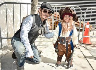 超有爱!大船长遇到小船长,德普叔你后继有人啦!