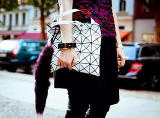 撞了也要爱!街包,街鞋,街镜,街T……超难买街霸大盘点| Style