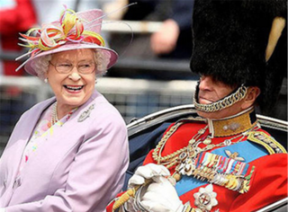 他为了她,放弃王位,做了她70年侍卫