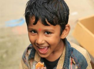 橘子疯在尼泊尔 | 今年中秋,我请尼泊尔当地的朋友吃了月饼!