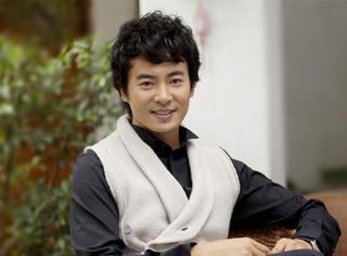 他曾是中南海保镖,与吴奇隆平分秋色,如今却沦为无名配角