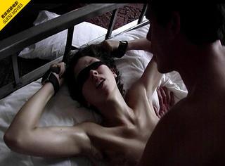 一张床照猜电影 | 一场蒙着眼的捆绑PLAY