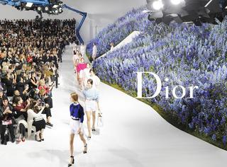 Dior | 这场秀叫,一边看秀一边赏花!