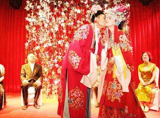 除了黄晓明baby 还有这些明星也偏爱中式婚礼→