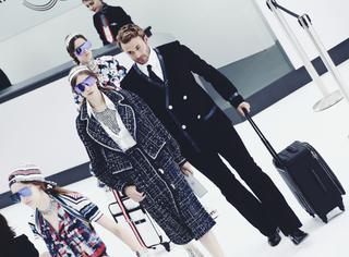 Chanel告诉你:全世界最时髦的女孩儿都这么登机!