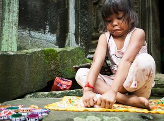橘子君游柬埔寨 | 既有虔诚的信仰 也有纸醉金迷