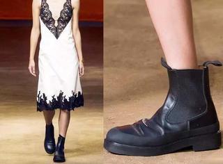 继草鞋和拖鞋之后 Celine又盯上了胶鞋!
