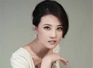 周海媚:她50歲仍美過范冰冰,患病不敢生子,沉迷姐弟戀為愛長住北京