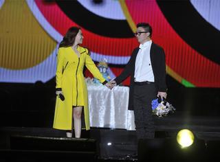 张靓颖接受冯柯求婚,12年的陪伴变成最浪漫的告白