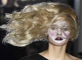 时装周上最火爆的发型,这才是风一般的女子!