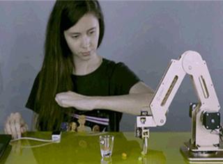 90后小哥造出的这个机器人,震惊了美国科技界
