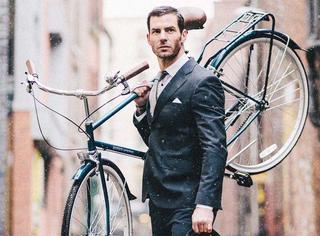 听说秋天,自行车和帅大叔最配哦