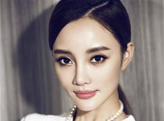 看脸 | 李小璐:贴心老公、可爱女儿,再加上属于自己的事业,这才是成功女人该有的姿态!