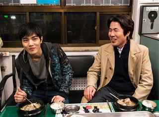 干掉《暗杀》了 今年最火的韩国电影是这部!