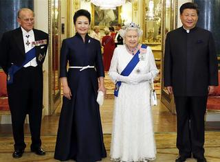 彭麻麻专辑、刺绣、百雀羚,看咱习大大都给别国领导人送啥了!