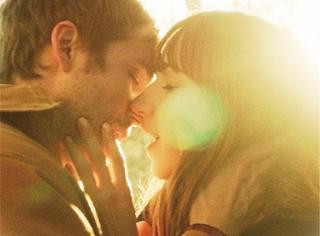 电影教你啪啪啪 | 异地恋情侣的福音,不在一起也能愉快的啪啪!