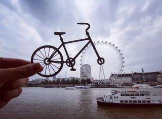 英国逗比艺术家把旅游景点都玩坏了。