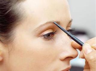 别再纠结什么样的眉妆最流行 适合自己最重要