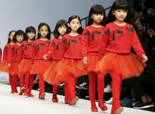 童装专场 | 北京时装周上这些小宝贝,又潮又可爱!