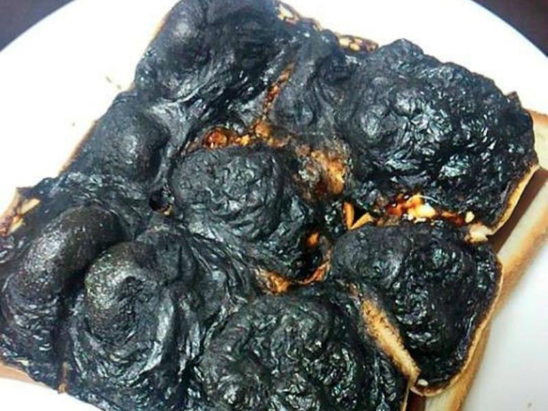 """网上吐槽女友第一次下厨的情景,好累感觉不会再""""饿""""了..."""