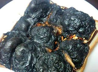 """網上吐槽女友第一次下廚的情景,好累感覺不會再""""餓""""了..."""