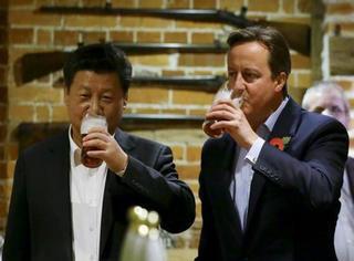 """习大大去的那个英国酒馆竟成了旅游胜地,还推出了""""习大大套餐""""!"""