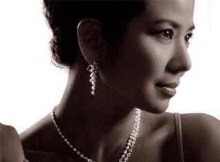 她才是女神!年轻时不输林青霞张曼玉,54岁也不比赵薇AB逊色