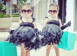 萌出一脸血!时尚从娃娃抓起,穿得这么时髦的一对不是你想见就能见!