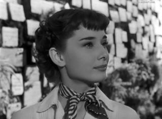 奥黛丽·赫本为什么有一种超越时间的美?