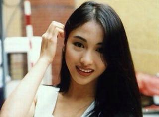 听我讲完,你会发现她才是香港最美的女神