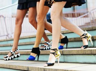 这个秋冬,明星的脚上有哪些鞋